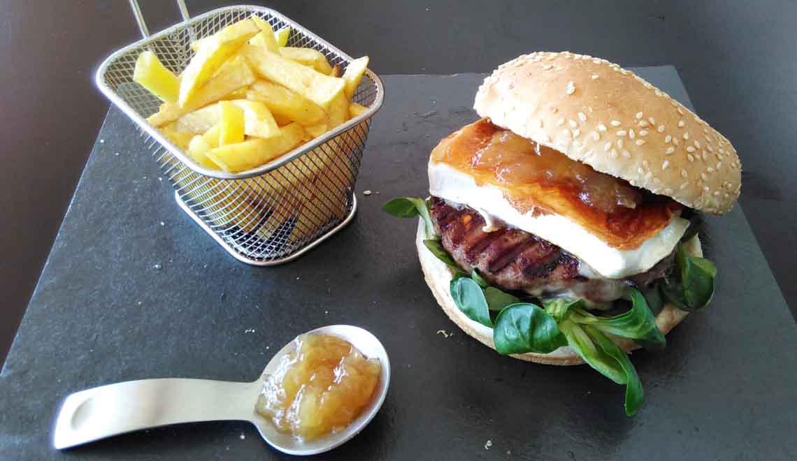 hamburguesa_posadadelagua_carnedeavila